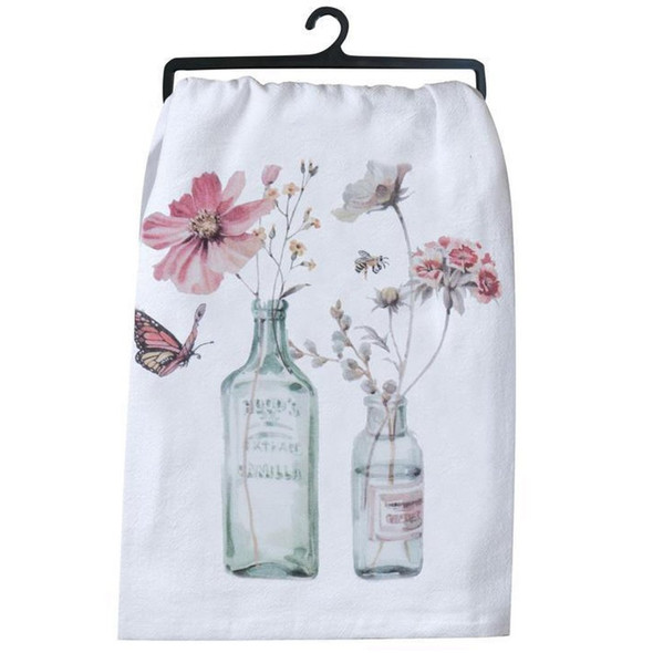 ometimes design simplicity makes the boldest statement. Modern farmhouse styling comes to your kitchen! Think shiplap, wood & metal, mason jars, and vintage farm finds. Beautiful flour sack towel with floral and mason jar artwork adapted from watercolors by artist Lisa Audit. Lint-free & krinkle textured to create extra surface area for maximum absorbency. A kitchen workhorse, use for cleaning, polishing, drying & baking. 26 in x 26 in, 100% prewashed/preshrunk cotton for softness, lasting quality, and appearance. Sewn in loop for displaying.