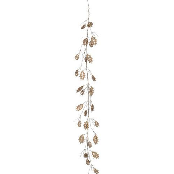 """Dashing through the snow, this cork foam garland features a twigs and holly leaves for the updated look of a Christmas classic. Lightweight and easy to maneuver, drape and display this ornamental piece just about anywhere. Dimensions:4'L x5""""W x3""""H Weight:3.00oz"""