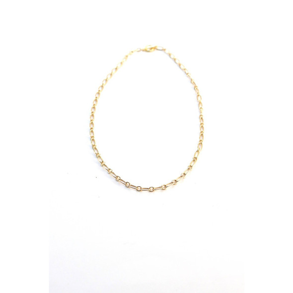Lightweight statement chain necklace. A perfect layering or stand alone piece. 18K gold plated Tarnish resistant processed Toggle clasp closure Measures 18.5'' in length