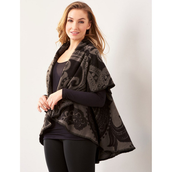 Reversible Circle Cape with Jacquard Pattern