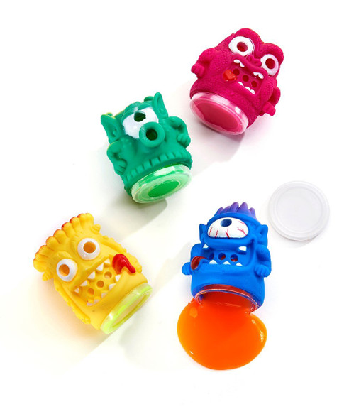 Squeeze this monster figurine and watch green slime flow out of its eyes and mouth!  Comes in 4 assorted colors: Blue, Red, Yellow and Green.  Dimensions: 2.4X1.8X1.8(in)