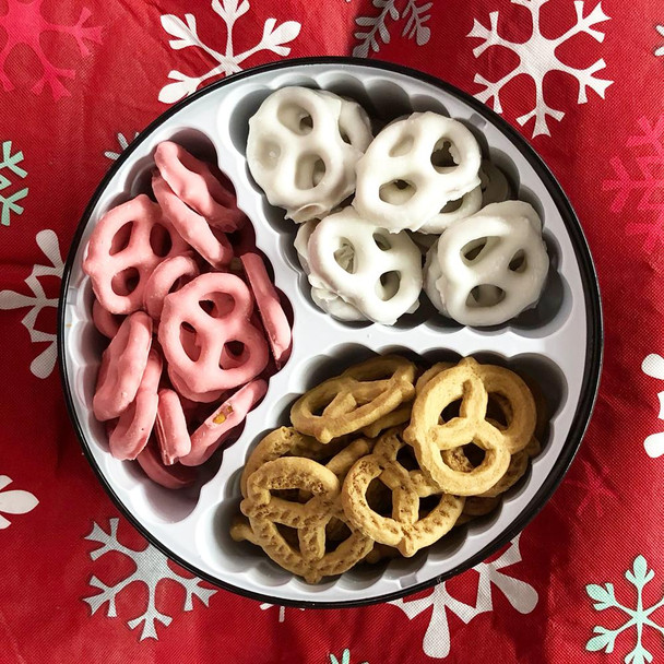 Here is a customer favorite pretzel holiday tin filled with Cinnamon Honey Graham, Raspberry Yogurt and Chocolate Pretzels. Oh so good!  Over 7 inches in diameter.  #3A *Product Shown is an example- Colors may vary