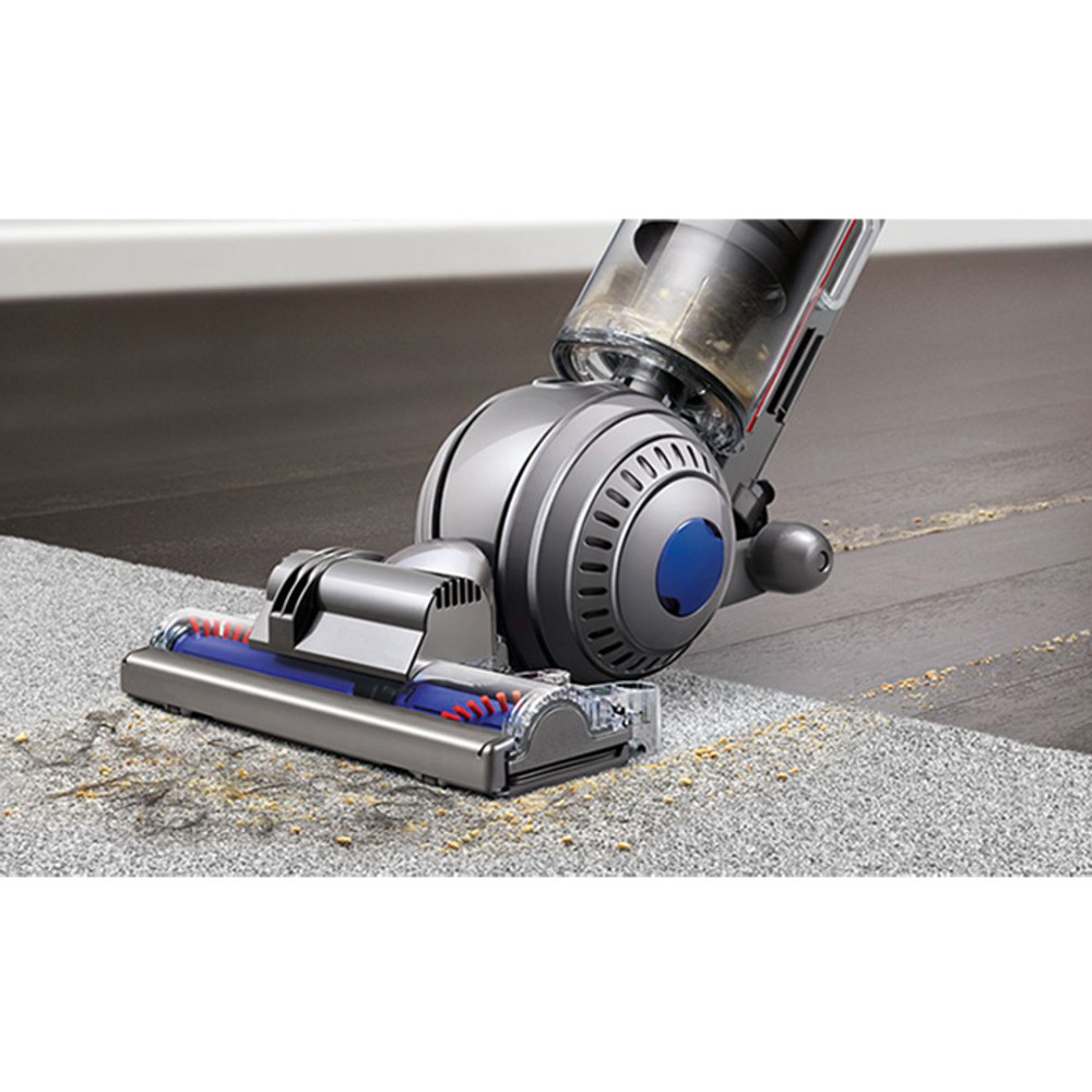 Active Baseplate Provides Deep Cleaning on Carpets