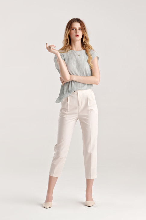 Tucked Capri Pants