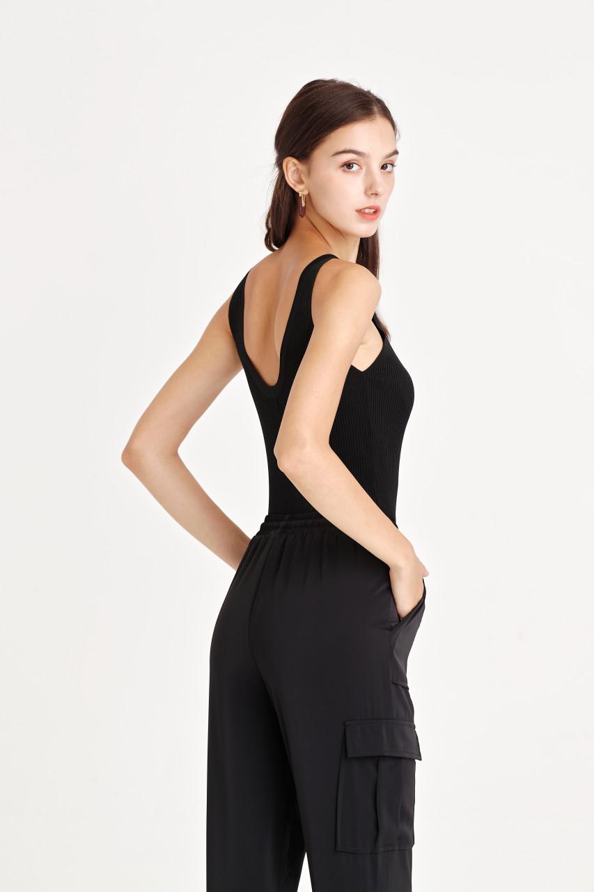 V-back Knit Top