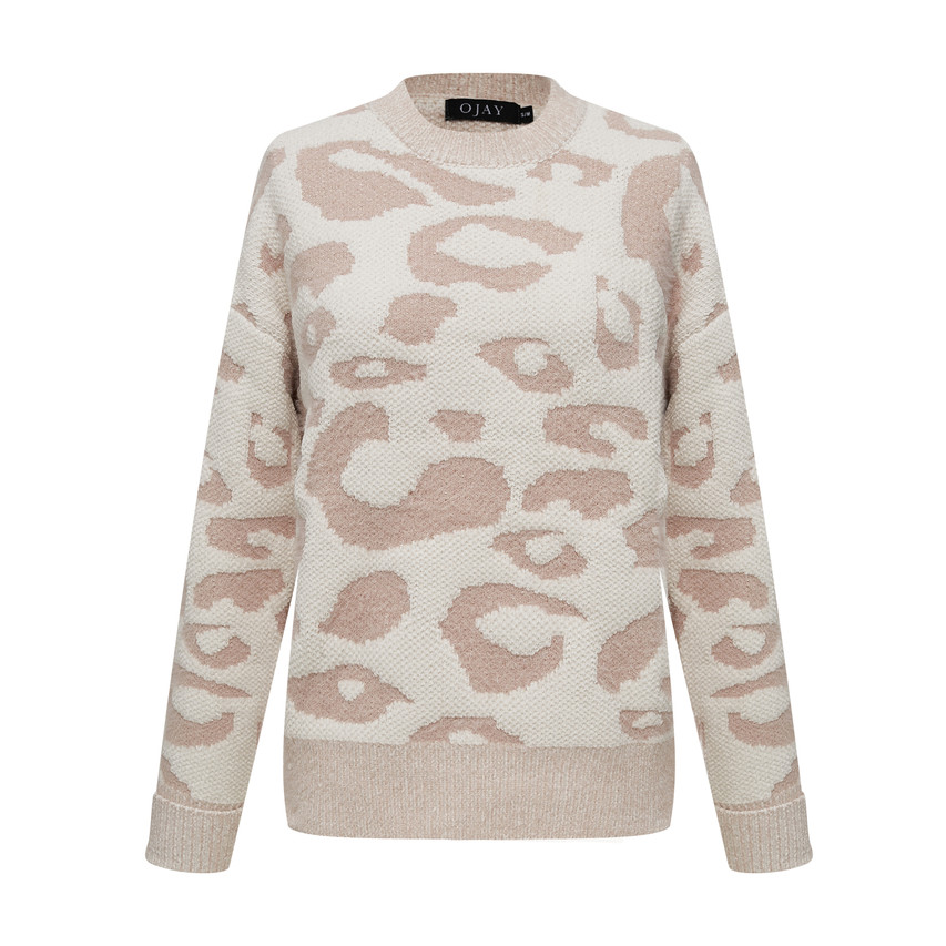 Soft and warm feel round neck knit top
