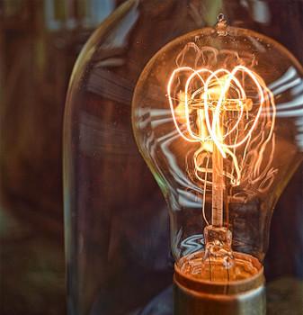 Edison Bulb - Nostalgic Loop Filament