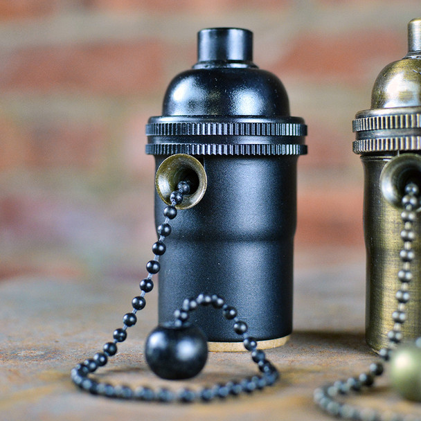 Black Pull-Chain Socket