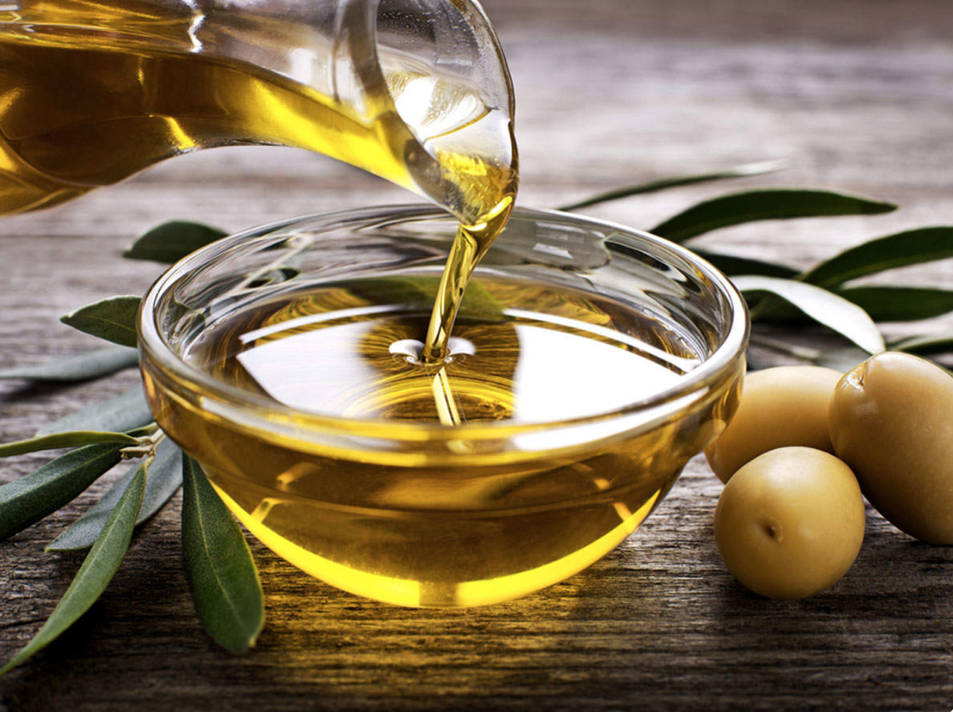 olive-oil-poured-photo.png
