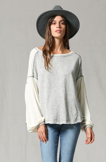 Lori Two Tones Top - Grey/Creme