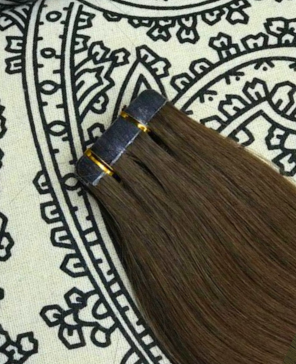 Luxury Tape-In Hair Extension #4 Toffee