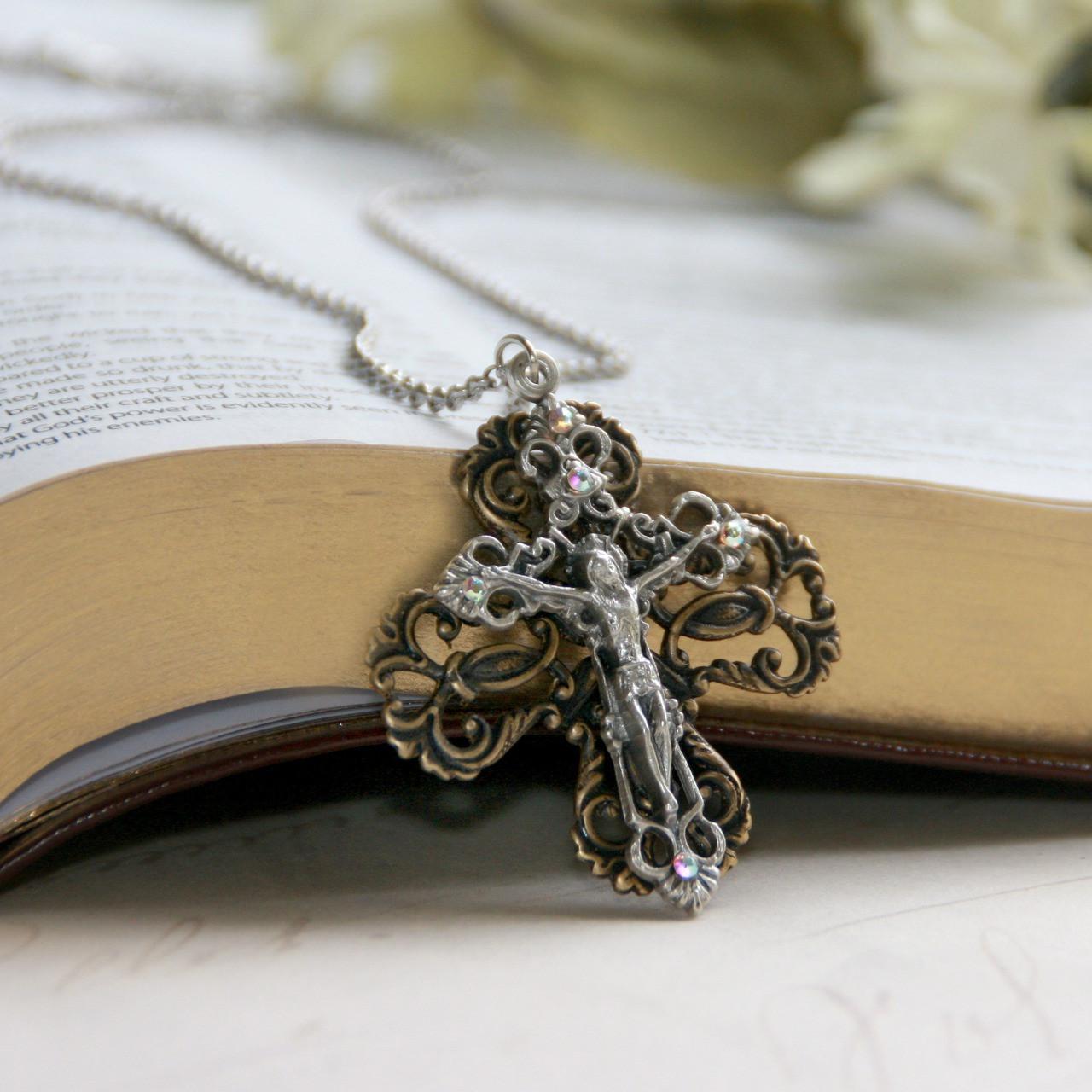 IN-549  Crucifix Filagree Pendant Necklace