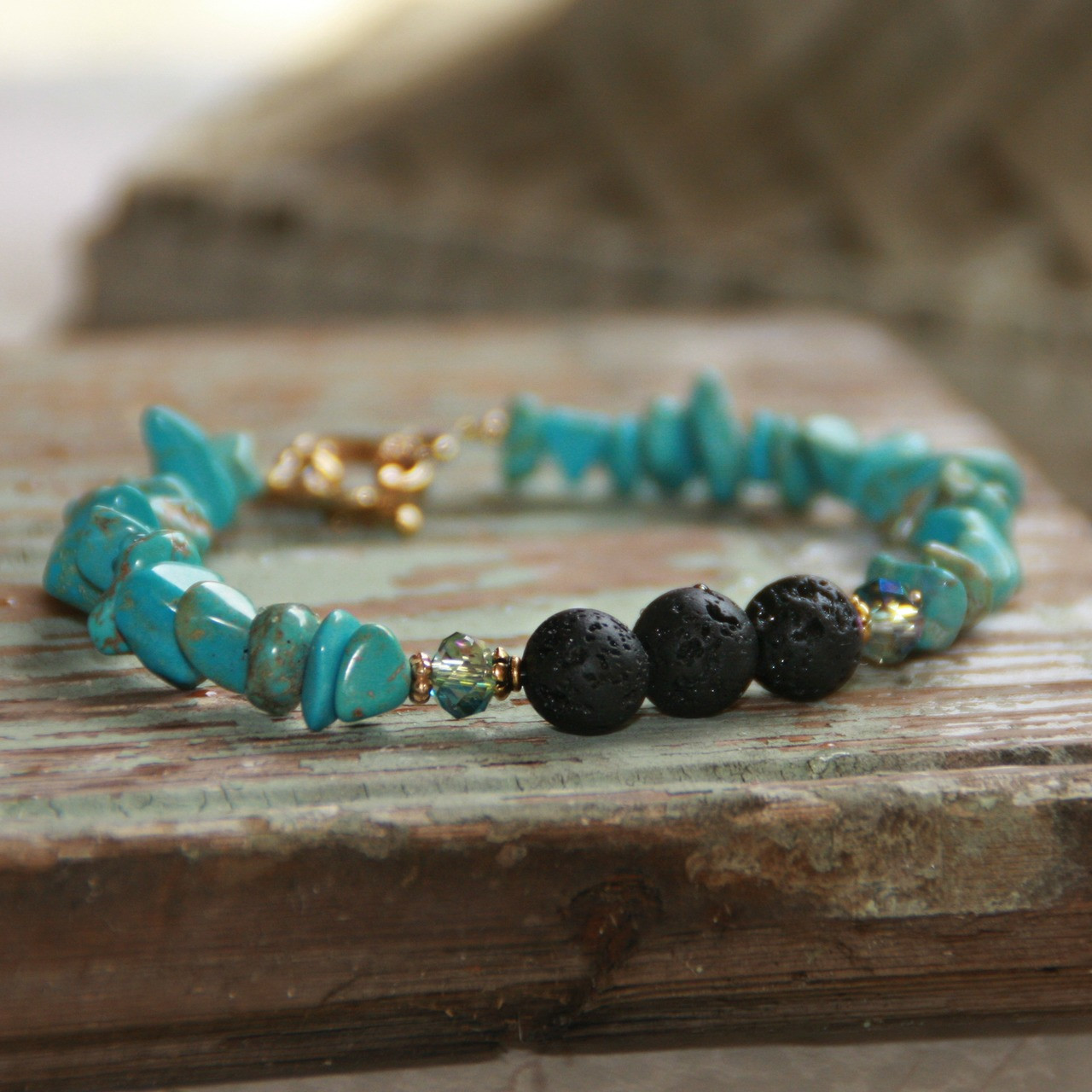 BR-32  Essential Oil Diffuser Bracelet Turquoise chips with Lava Stone