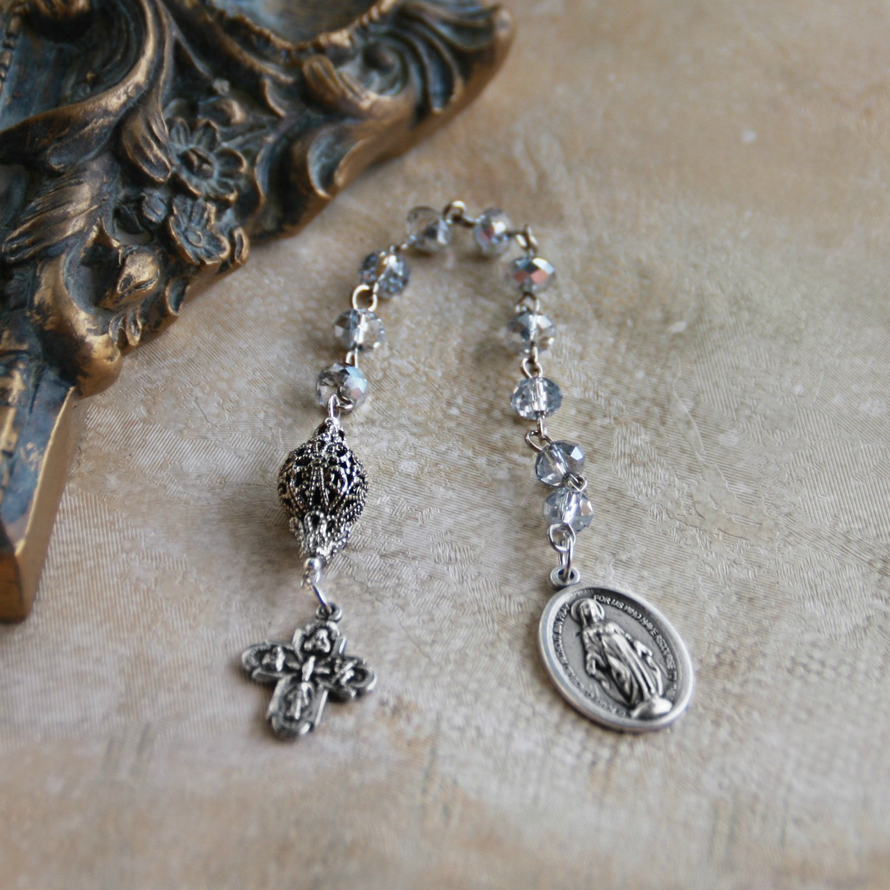 IN-807 Catholic Chaplet Platinum Silver Crystals
