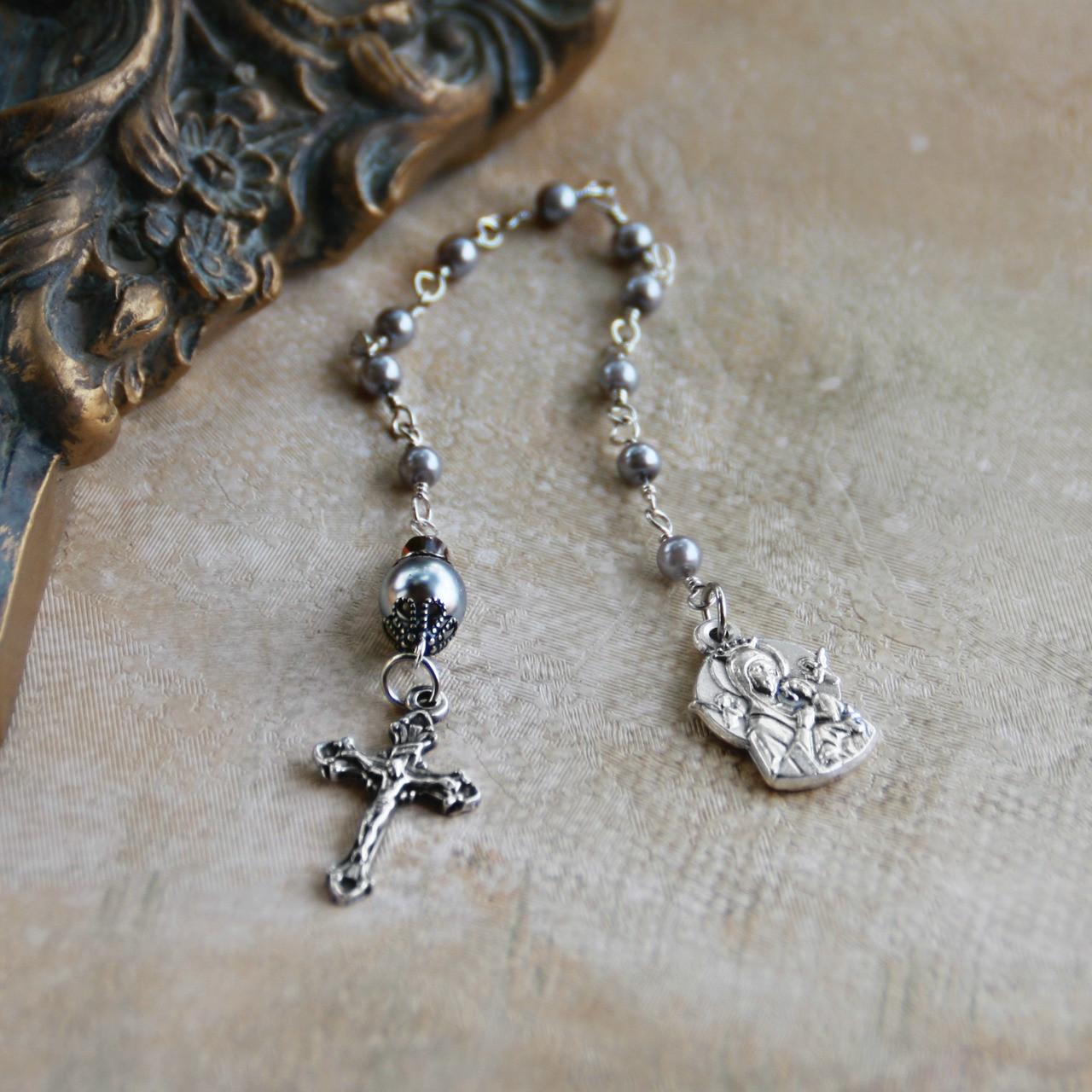 IN-809  Catholic Chaplet Dainty Grey Pearl