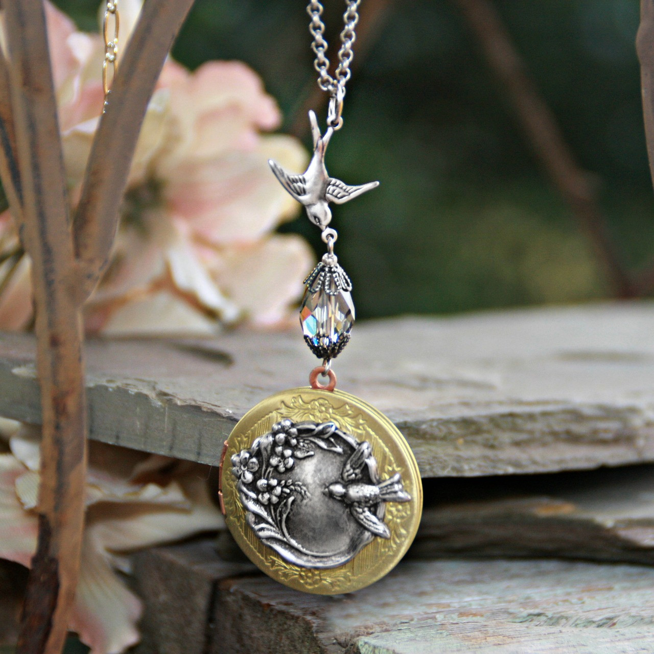 IN-641  Vintage Bird Locket Necklace