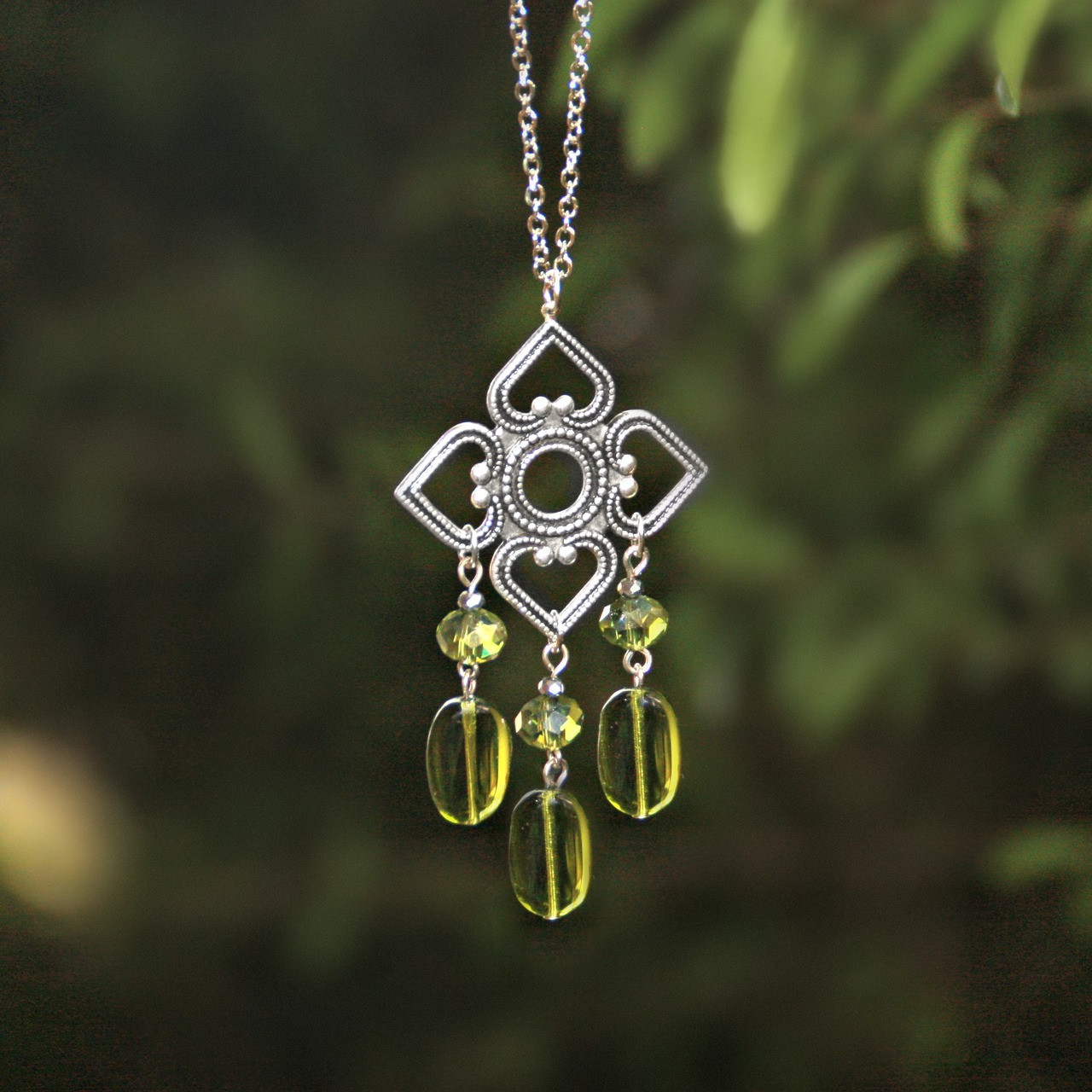 IS-799  One of the colors for Spring 2019 Green Necklace Divine