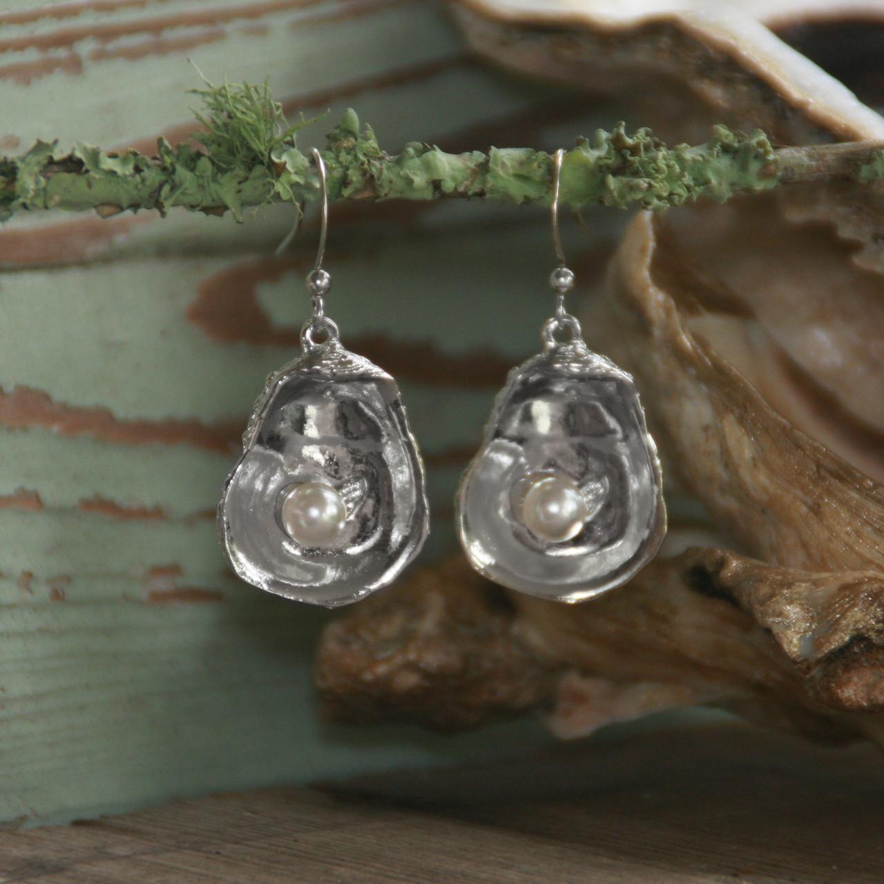 DD-32  Classic Oyster Earrings