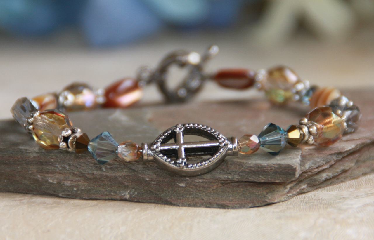 IN-331 Cross bracelet