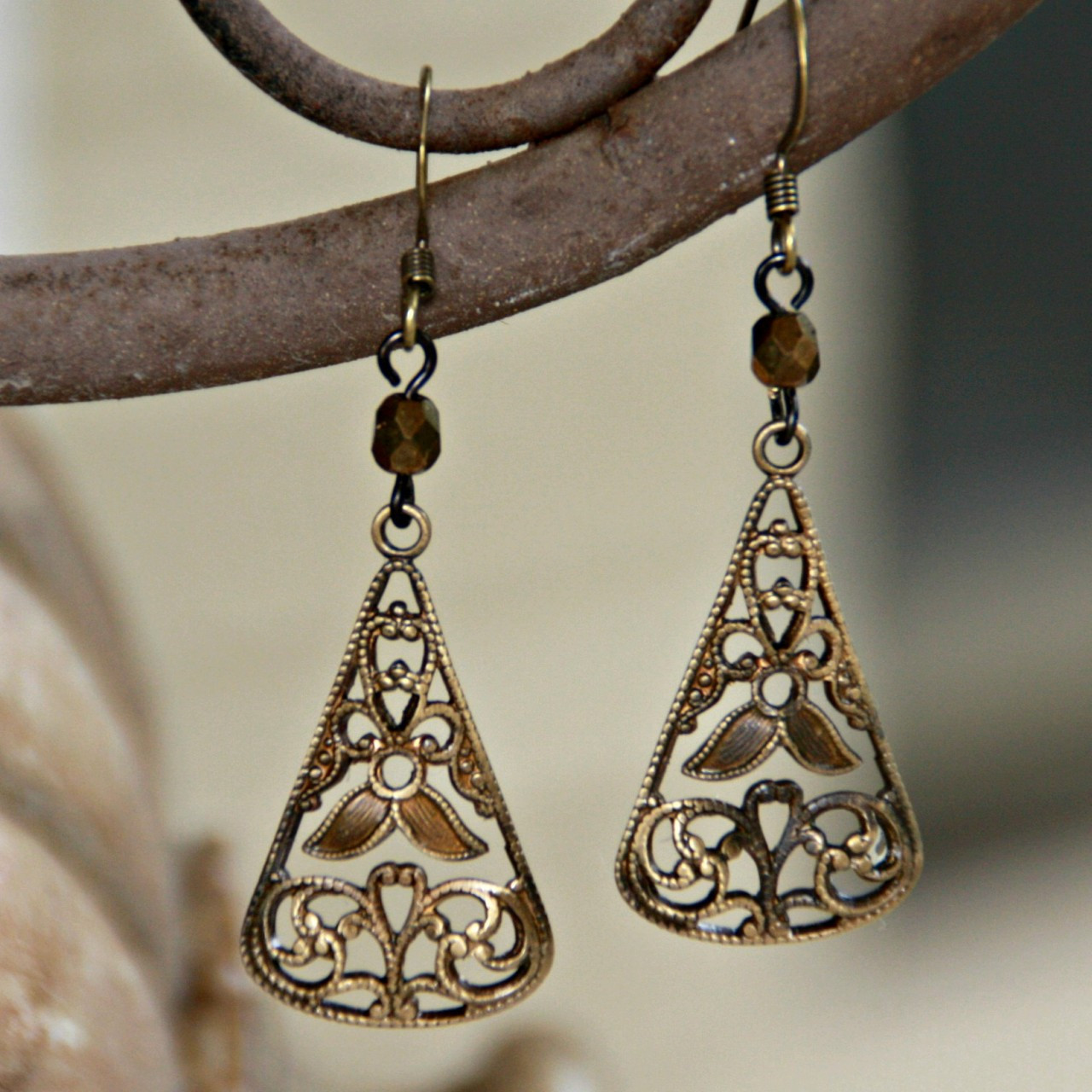ART-212E Matching Old World Earrings to ART Collection Necklace