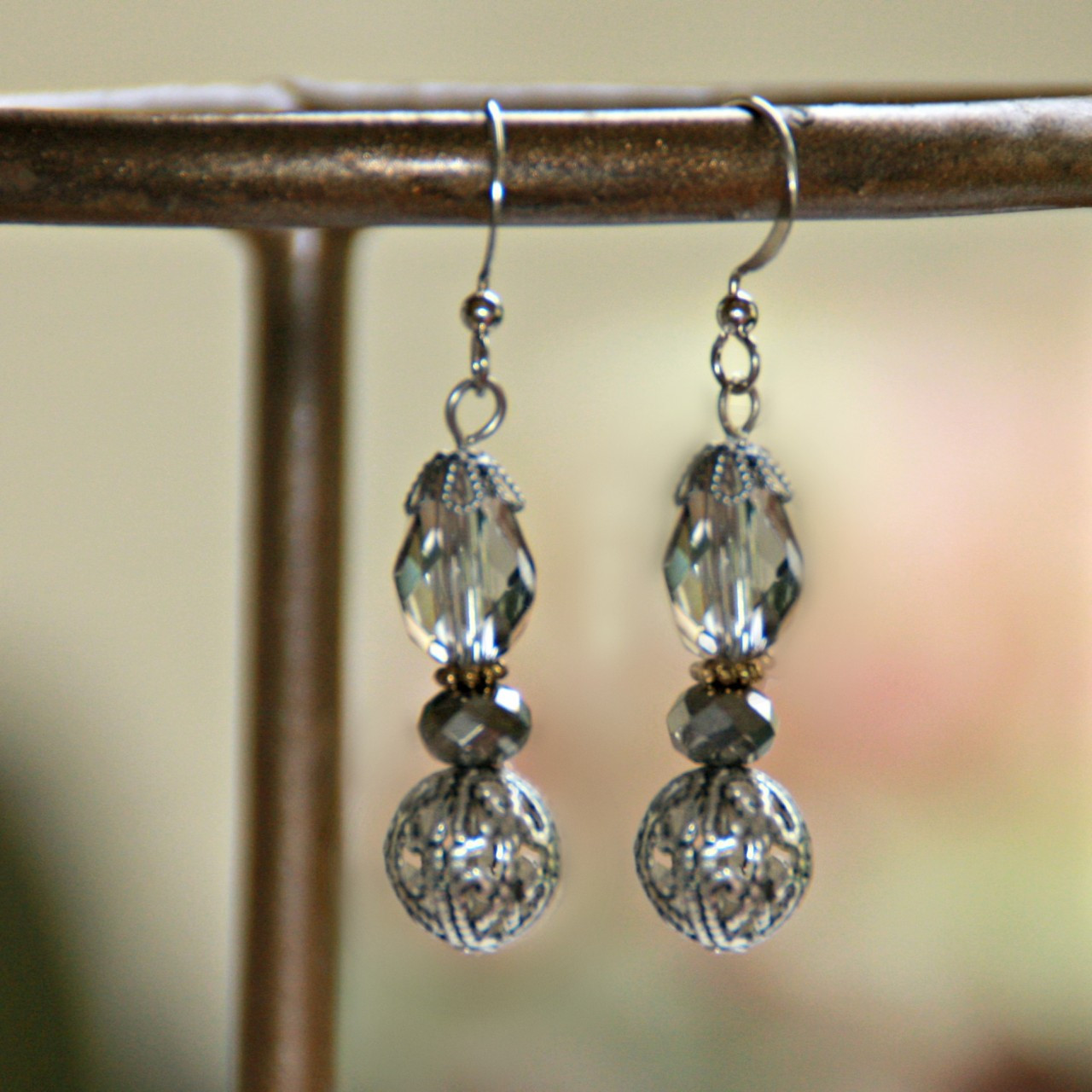 IS-633 In style Grey tone Beaded Matching Earrings