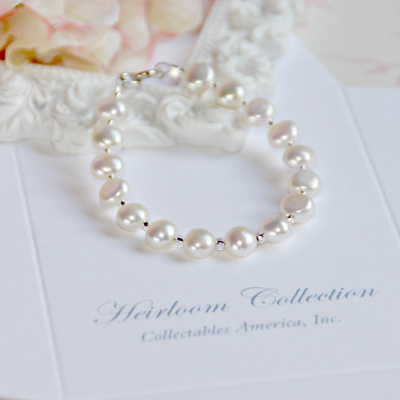 "CJ-384-5  Freshwater Pearl Button style Pearls 5"" Bracelet"