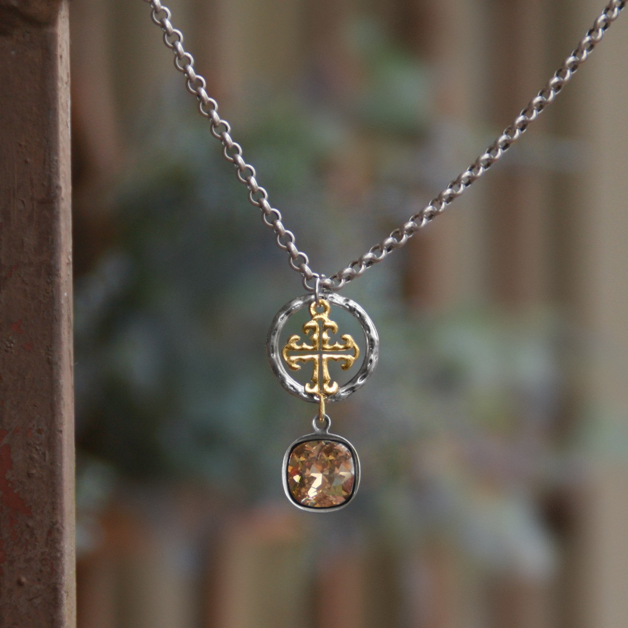 0558e2ed1 IS-190 WOW Swarovski Crystal & Cross Necklace! - Collectables The Studio