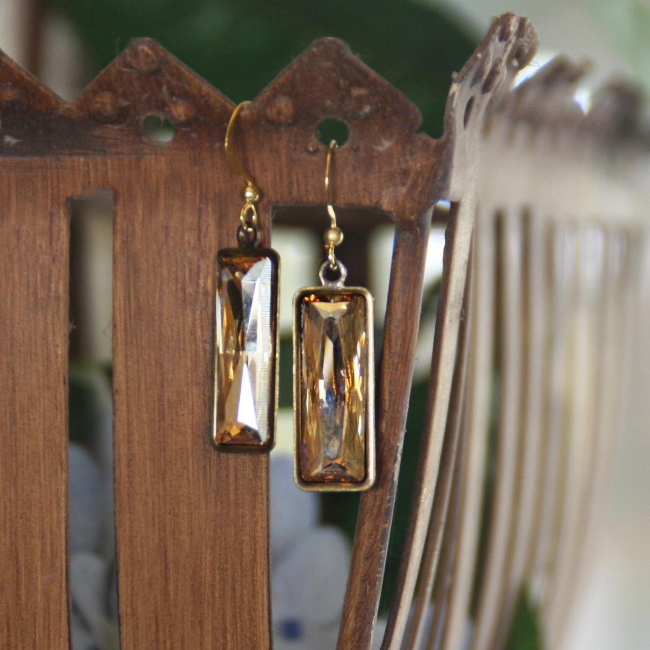 IS-699  WOW Swarovski Crystal Drop Earrings