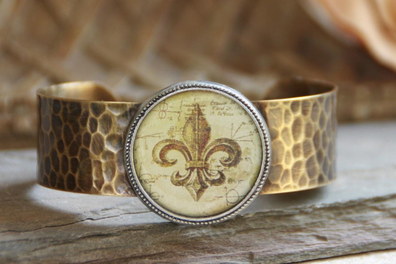 ART-106 Fleur de Lis cuff bracelet-4