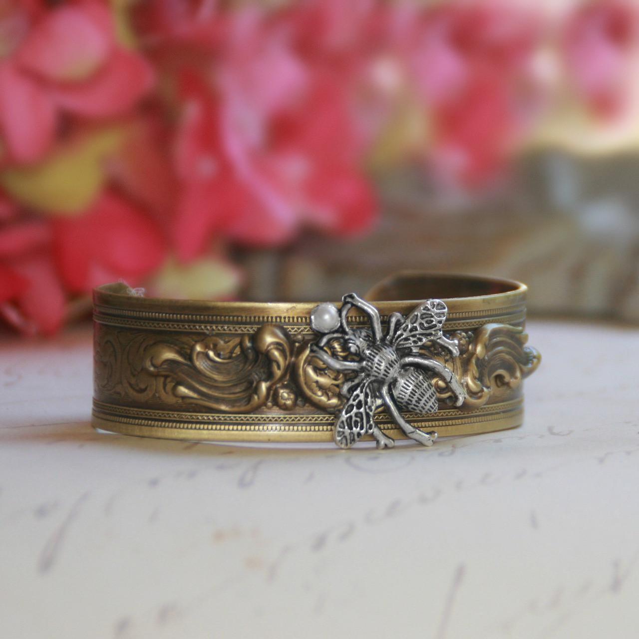 ART-150  Vintage Style Bee Cuff Bracelet