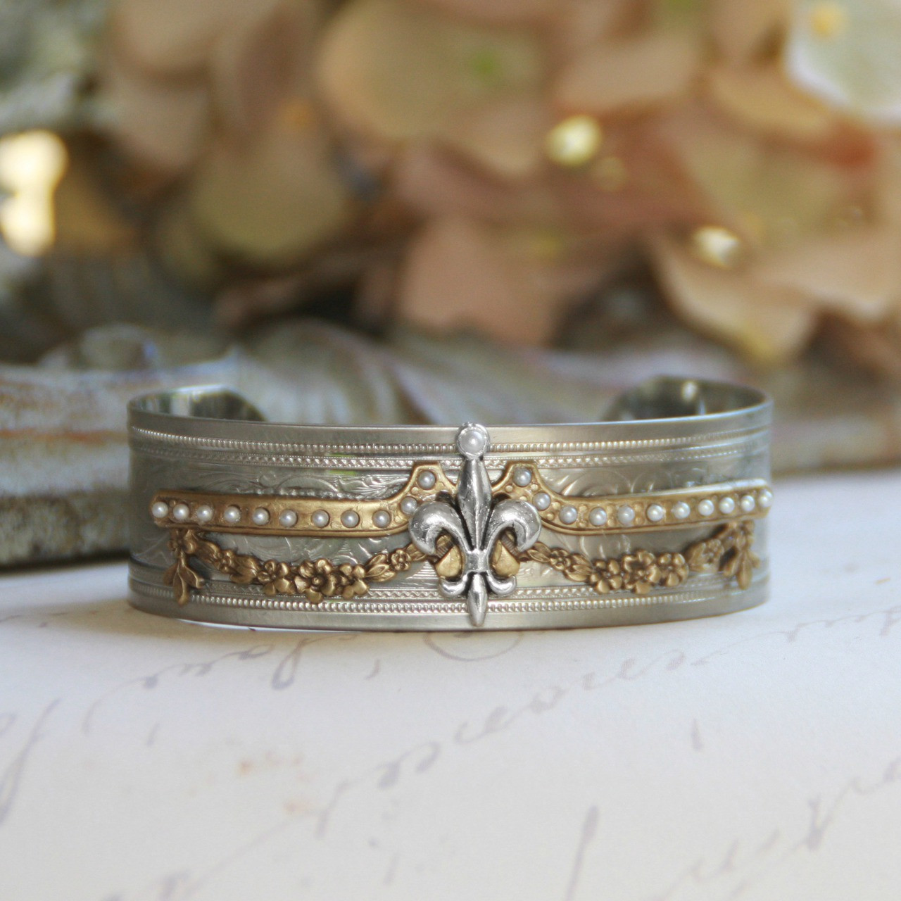 ART-149  Vintage Style Cuff Bracelet with Fleur de Lis