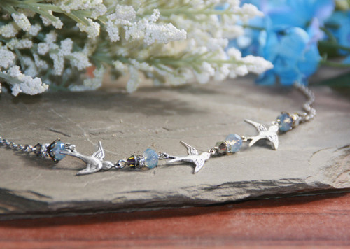 IS-302  Birds in Flight Stunning Necklace