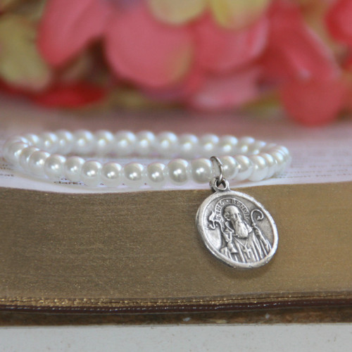 """RH-62-5  Glass Pearls Stretchy 5"""" bracelet with Vintage St. Benedict Medal in Rhodium for Baby"""