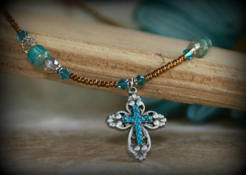 IN-628 Wow Cross Necklace