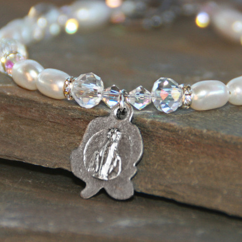 IN-255  Freshwater Pearl Mary on Rose Beautiful Bracelet