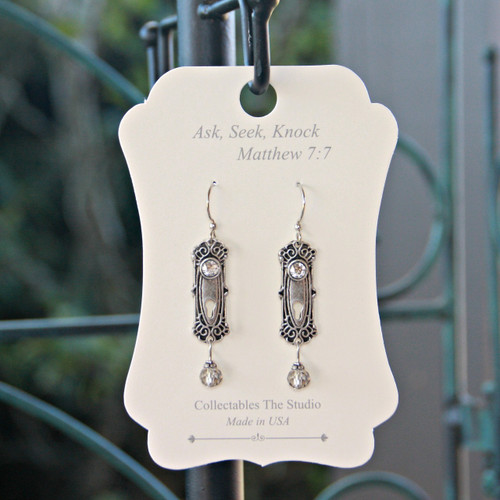 FER-405  Ask Seek Knock Message Earrings