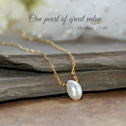 IN-608G  One Pearl of Great Value Necklace Freshwater Pearl Gold