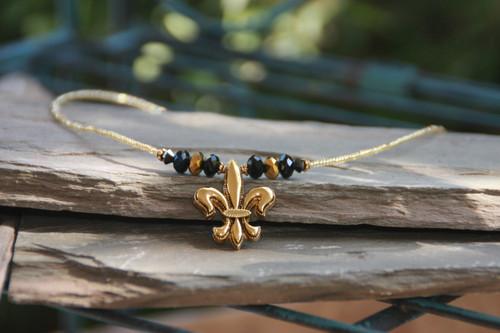 NOST-12  Beautiful New Orleans Saints Necklace