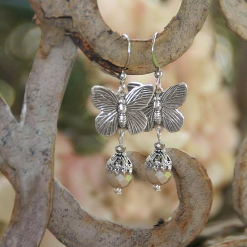 IS-7E  Butterfly Oh so Pretty Earrings