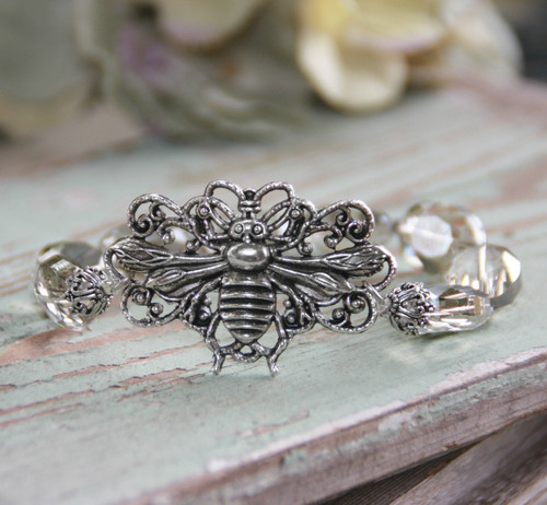 IS-811  Beautiful Bee Crystal Bracelet
