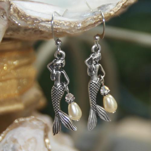 OC-15  Mermaids and Pearls Earrings