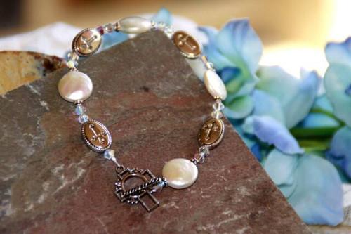 IN-328 Coin Pearl bracelet