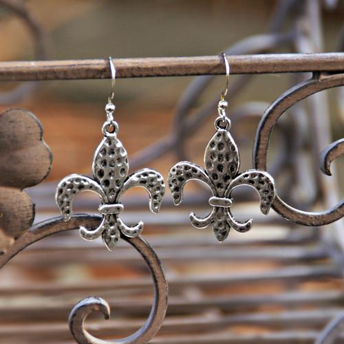 IS-683  Hammered Fleur de Lis Earrings IS-683