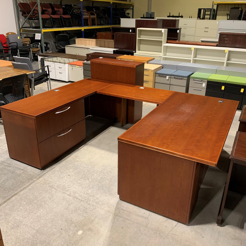 Pre-Owned Gunlocke U-Shape Desk