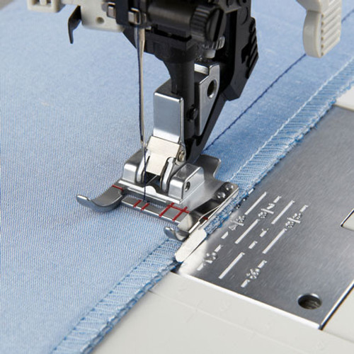 Seam guide foot for IDT