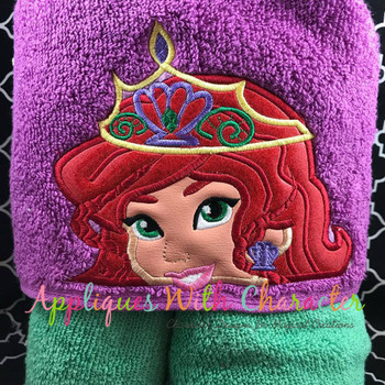 Mermaid Crown Peeker Applique Design