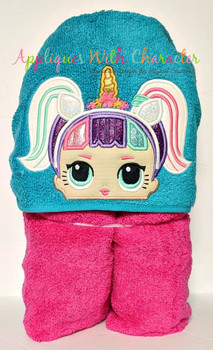 Unicorn Peeker Doll Applique Design