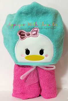 Daizy Duck Tsum Peeker Applique Design
