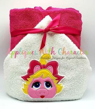Muppet Baby Miss Piggy Peeker Applique Design