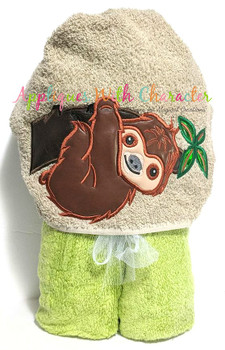 Sloth in Tree Applique Design